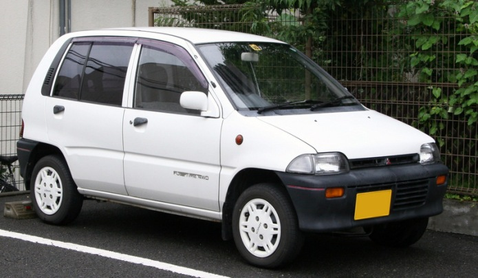 6th_generation_Mitsubishi_Minica_Van